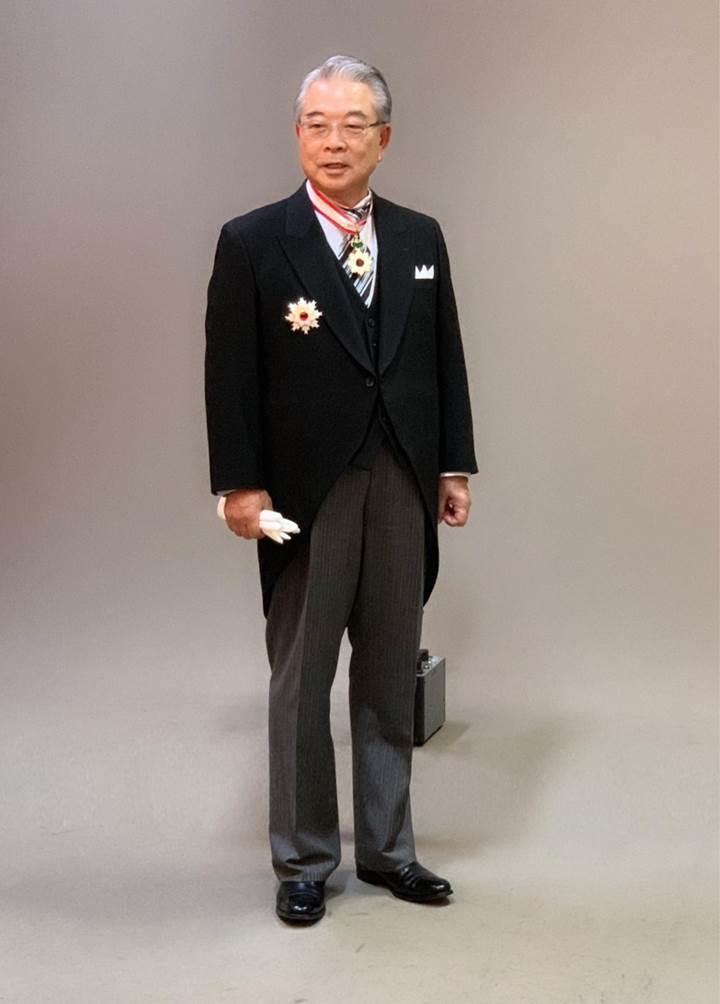 恭賀許勝雄董事長榮獲日本天皇頒發《旭日重光章》勳章