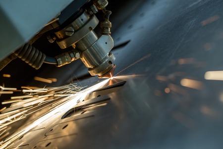 從製造業之精實服務借鏡於服務業之轉型升級