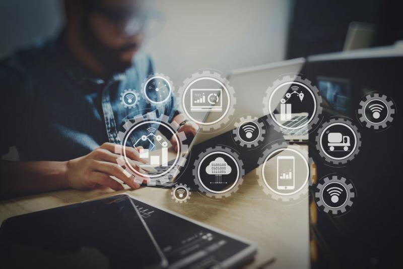 無縫串流營運核心:「數位戰情室」導入歷程與成功要素