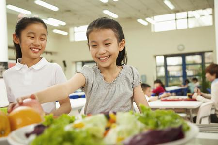 日本飲食教育與校園午餐
