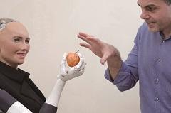 當聘請機器人讓股價上揚》麥當勞、高盛掀搶AI工潮
