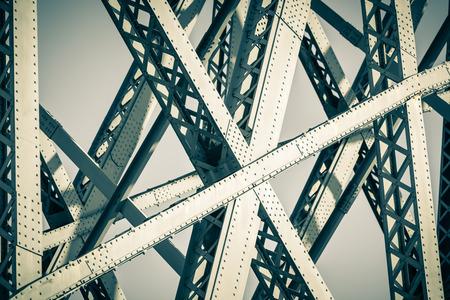 健橋安家,行的安全-推動價值工程於碳纖維橋梁結構補強案例分享