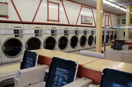 另類思考的洗衣店服務—帶走或續留、專業或通路?!